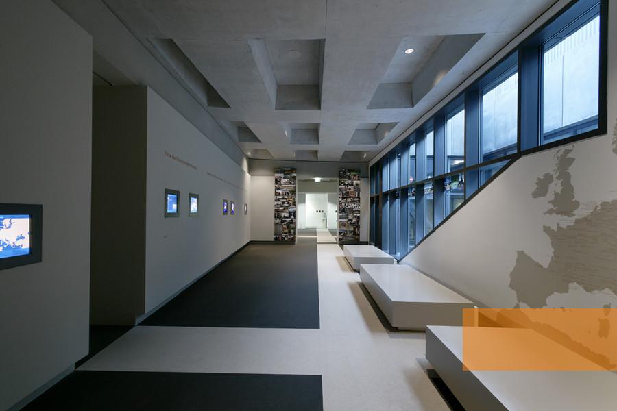 gedenkst ttenportal zu orten der erinnerung in europa. Black Bedroom Furniture Sets. Home Design Ideas